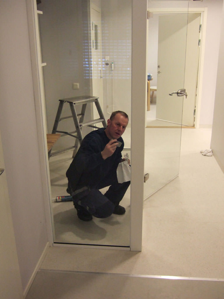 Montering av glasvägg