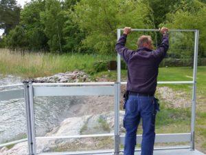 Montering av glasräcke del två