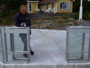 Montering av glasräcke