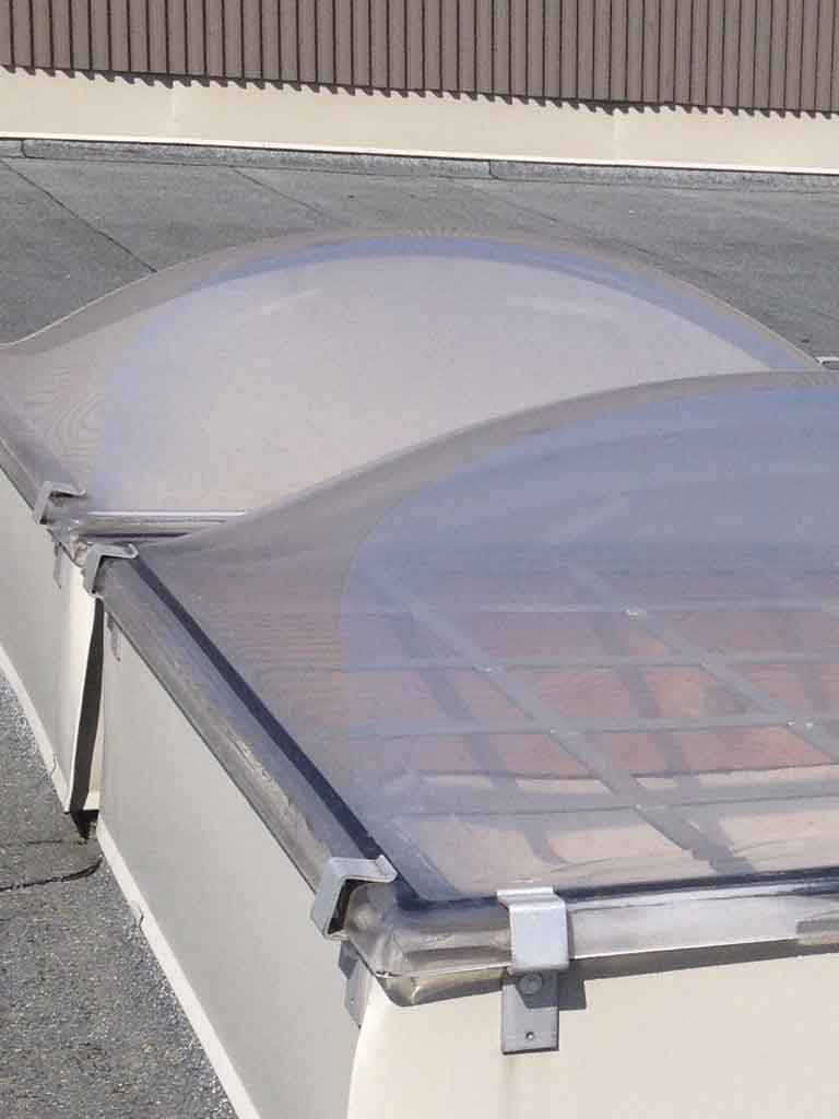 Plastfönster på taket